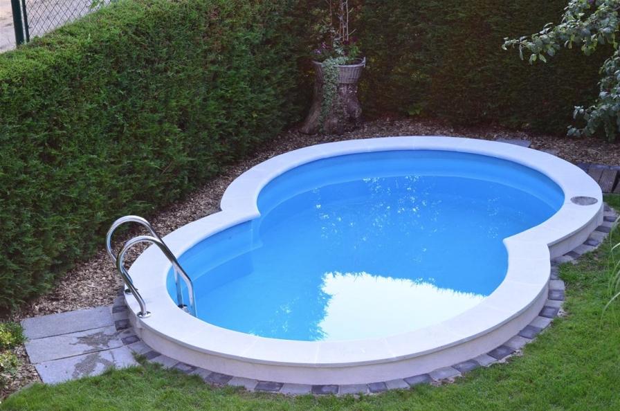 Beckenrandsteine f r achtformbecken pool steine for Gewebefolie pool verlegen